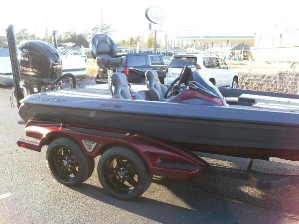 2021 Skeeter boat for sale, model of the boat is FXR20 Limited & Image # 6 of 37
