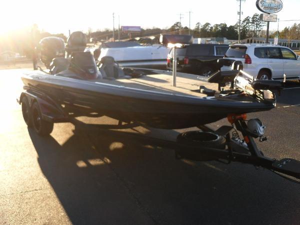 2021 Skeeter boat for sale, model of the boat is FXR20 Limited & Image # 14 of 37