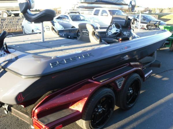 2021 Skeeter boat for sale, model of the boat is FXR20 Limited & Image # 25 of 37