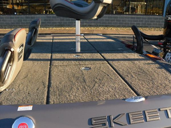 2021 Skeeter boat for sale, model of the boat is FXR20 Limited & Image # 32 of 37