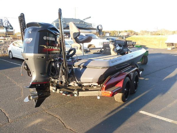 2021 Skeeter boat for sale, model of the boat is FXR20 Limited & Image # 33 of 37