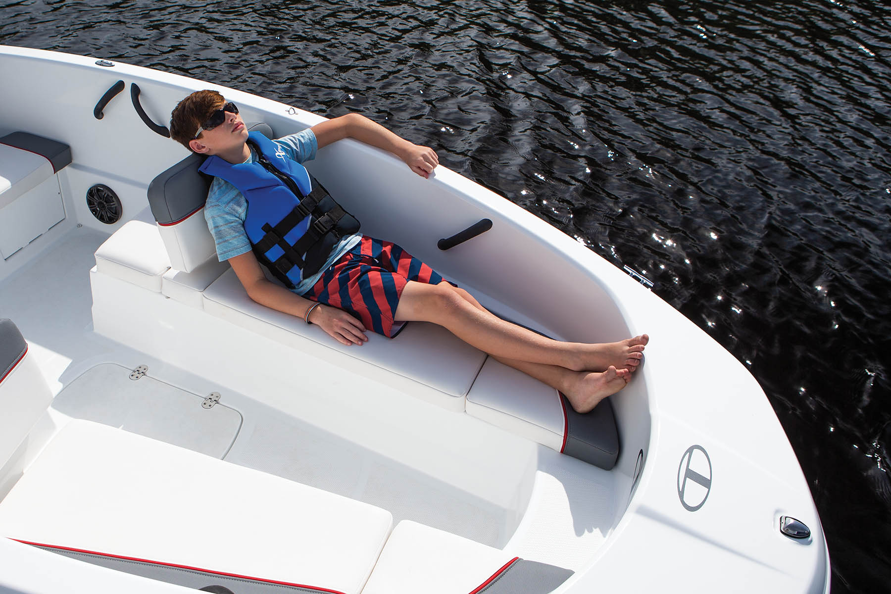 2022 Tahoe boat for sale, model of the boat is T16 & Image # 3 of 18
