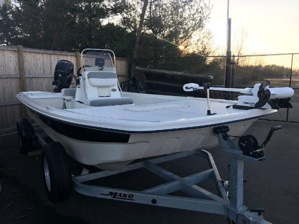 2020 Mako boat for sale, model of the boat is Pro Skiff 19 CC & Image # 2 of 36