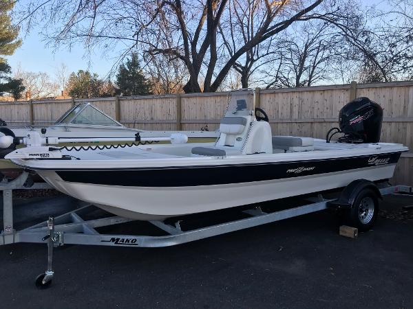 2020 Mako boat for sale, model of the boat is Pro Skiff 19 CC & Image # 1 of 36