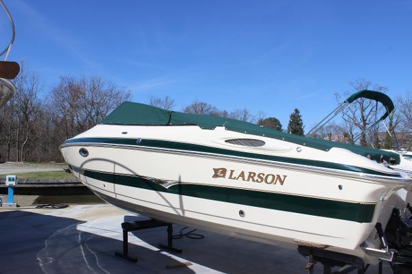 2004 Larson 270 LXi