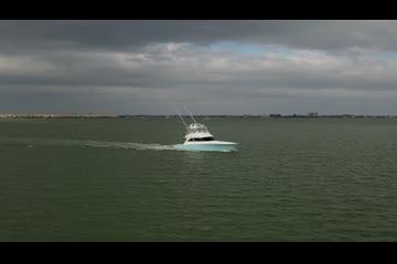 Viking 52 Seakeeper Mezzanine video