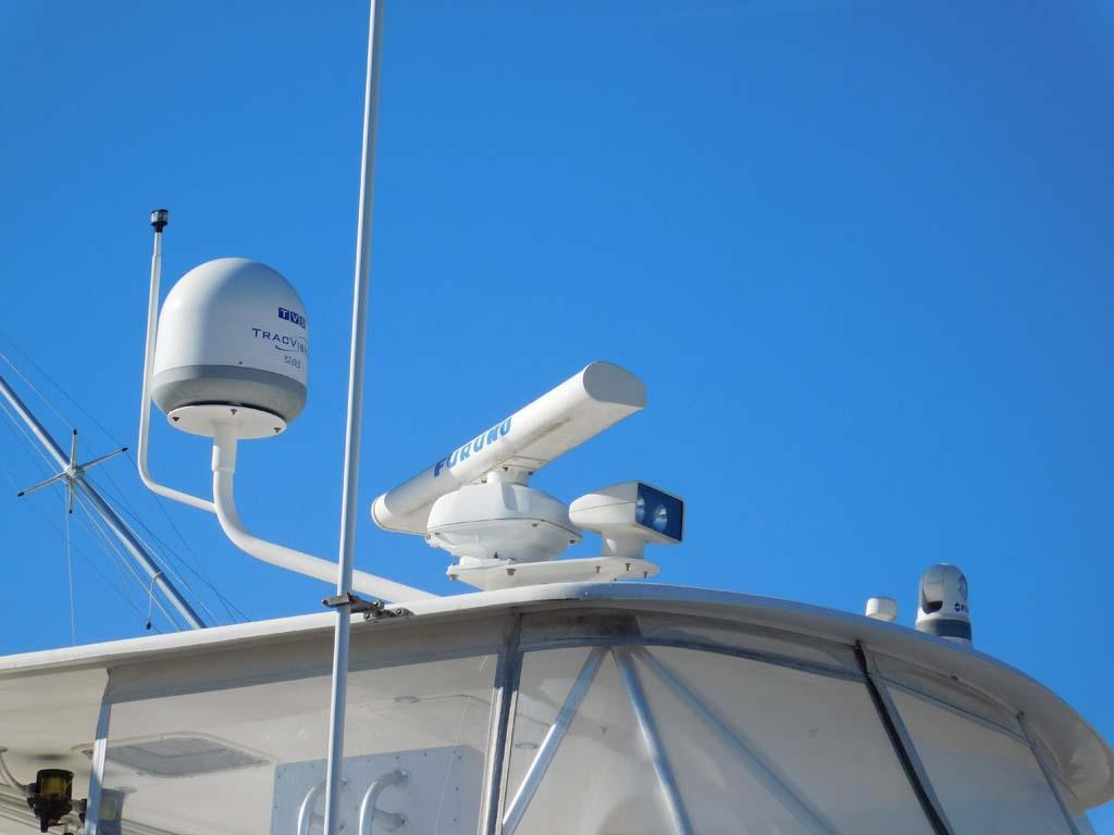 Flybridge Radar and Dome