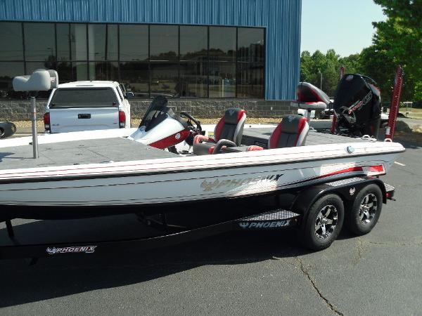 2021 Phoenix boat for sale, model of the boat is 721 ProXP & Image # 3 of 34