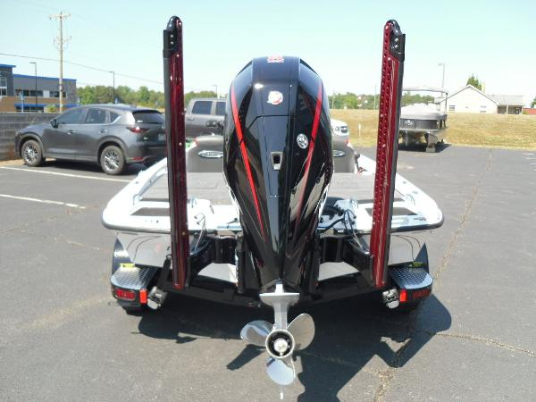 2021 Phoenix boat for sale, model of the boat is 721 ProXP & Image # 4 of 34