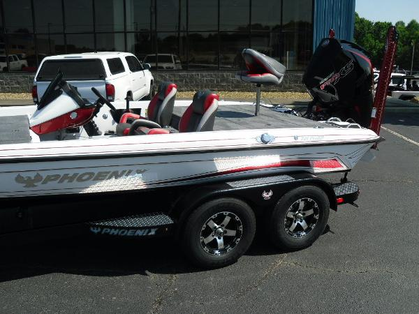 2021 Phoenix boat for sale, model of the boat is 721 ProXP & Image # 5 of 34