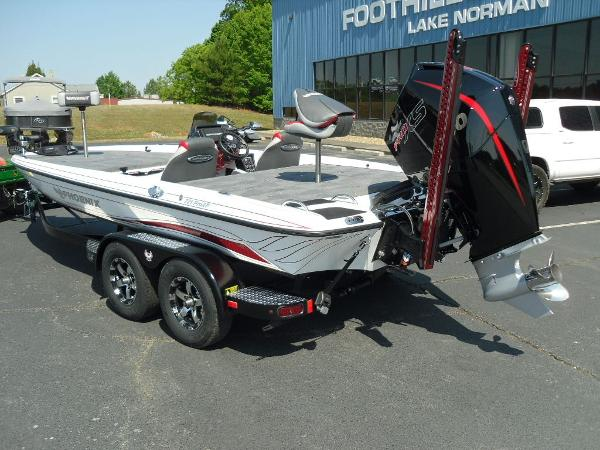 2021 Phoenix boat for sale, model of the boat is 721 ProXP & Image # 7 of 34