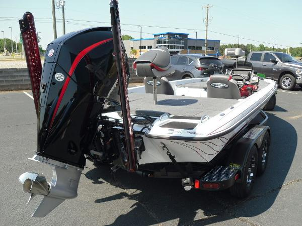 2021 Phoenix boat for sale, model of the boat is 721 ProXP & Image # 8 of 34