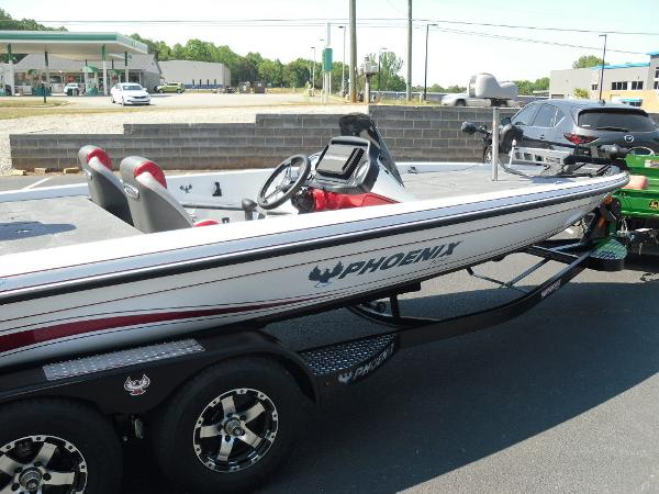 2021 Phoenix boat for sale, model of the boat is 721 ProXP & Image # 9 of 34