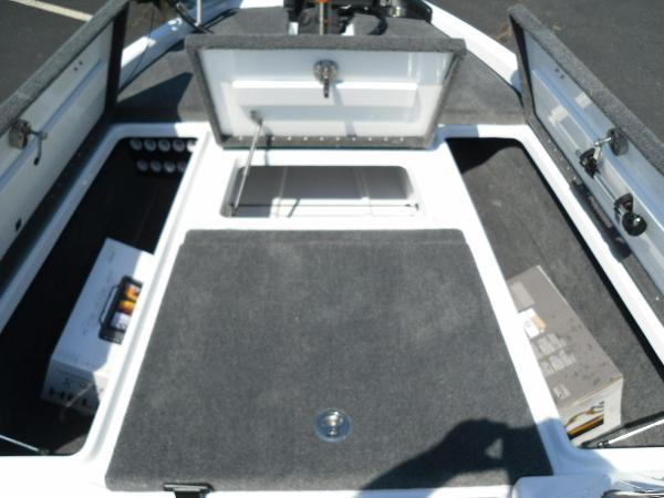 2021 Phoenix boat for sale, model of the boat is 721 ProXP & Image # 13 of 34