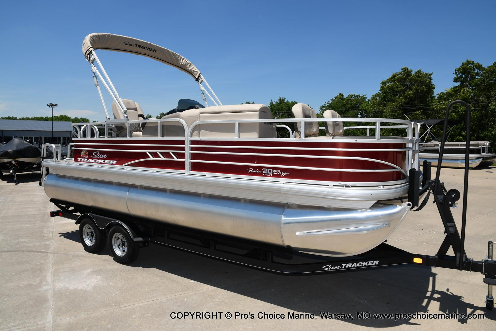 2021 Sun Tracker boat for sale, model of the boat is Fishin' Barge 20 DLX & Image # 1 of 50