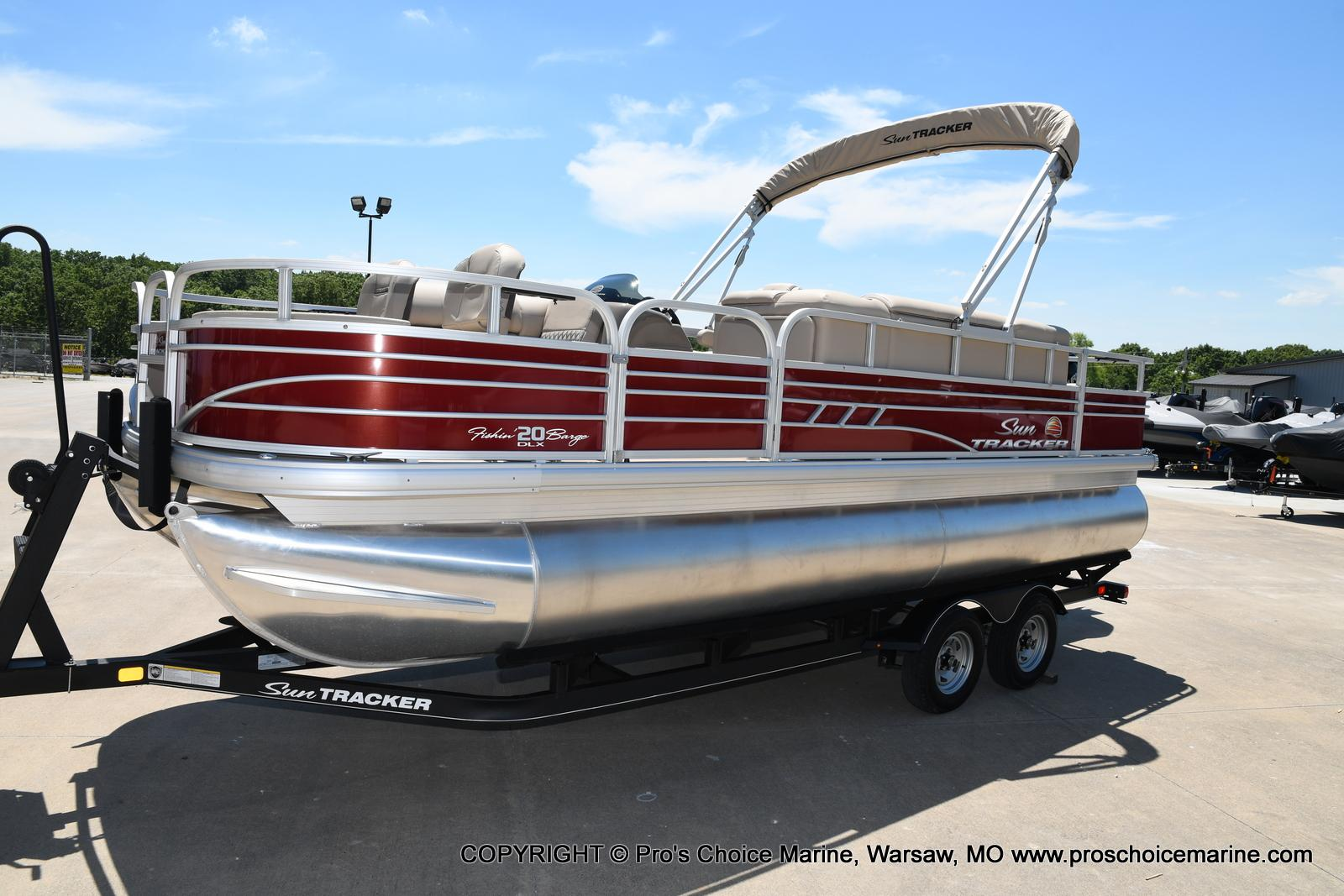 2021 Sun Tracker boat for sale, model of the boat is Fishin' Barge 20 DLX & Image # 10 of 50