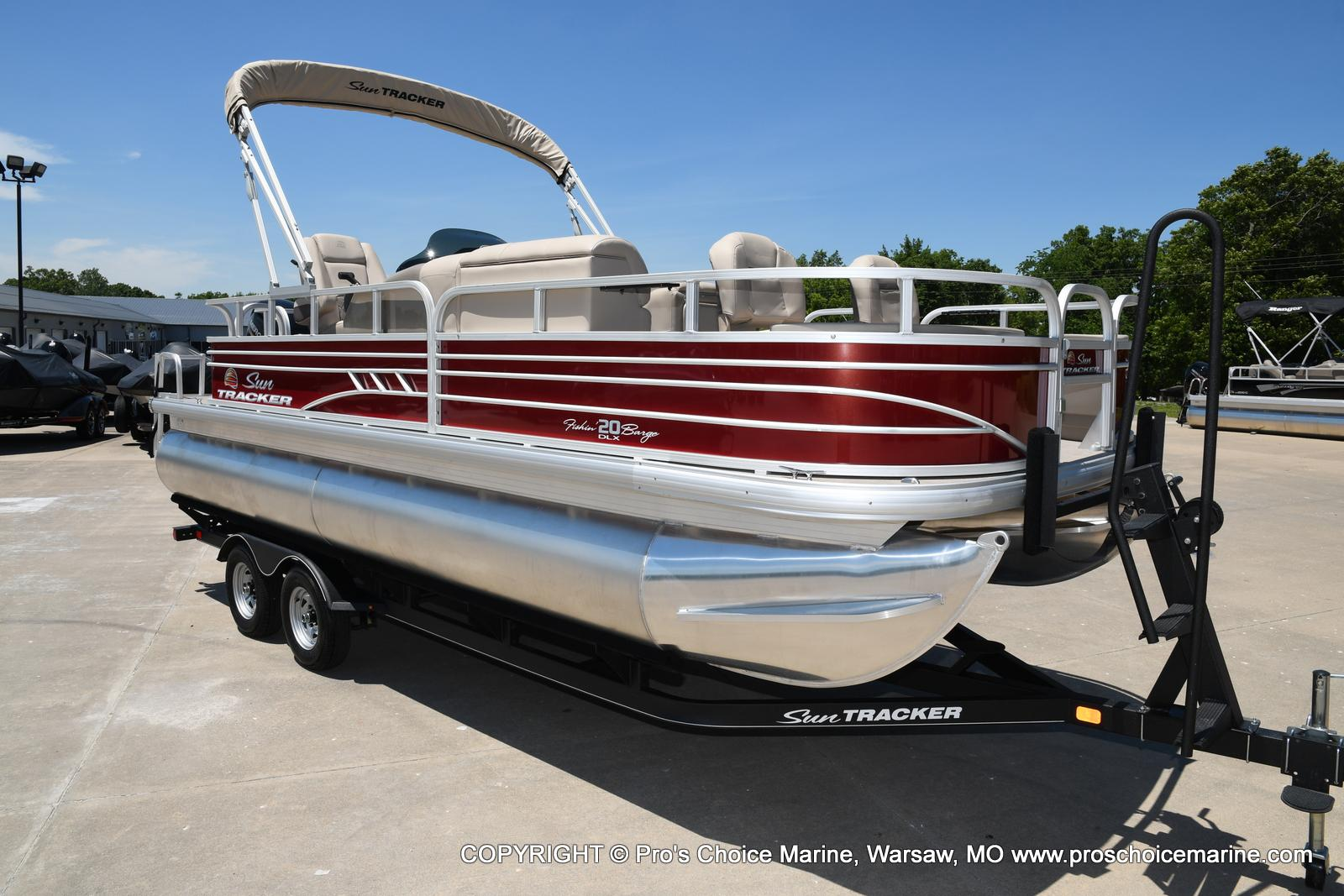 2021 Sun Tracker boat for sale, model of the boat is Fishin' Barge 20 DLX & Image # 22 of 50