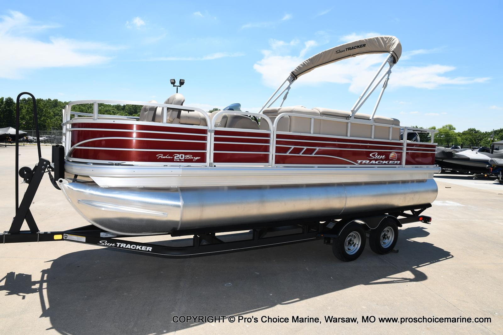 2021 Sun Tracker boat for sale, model of the boat is Fishin' Barge 20 DLX & Image # 23 of 50