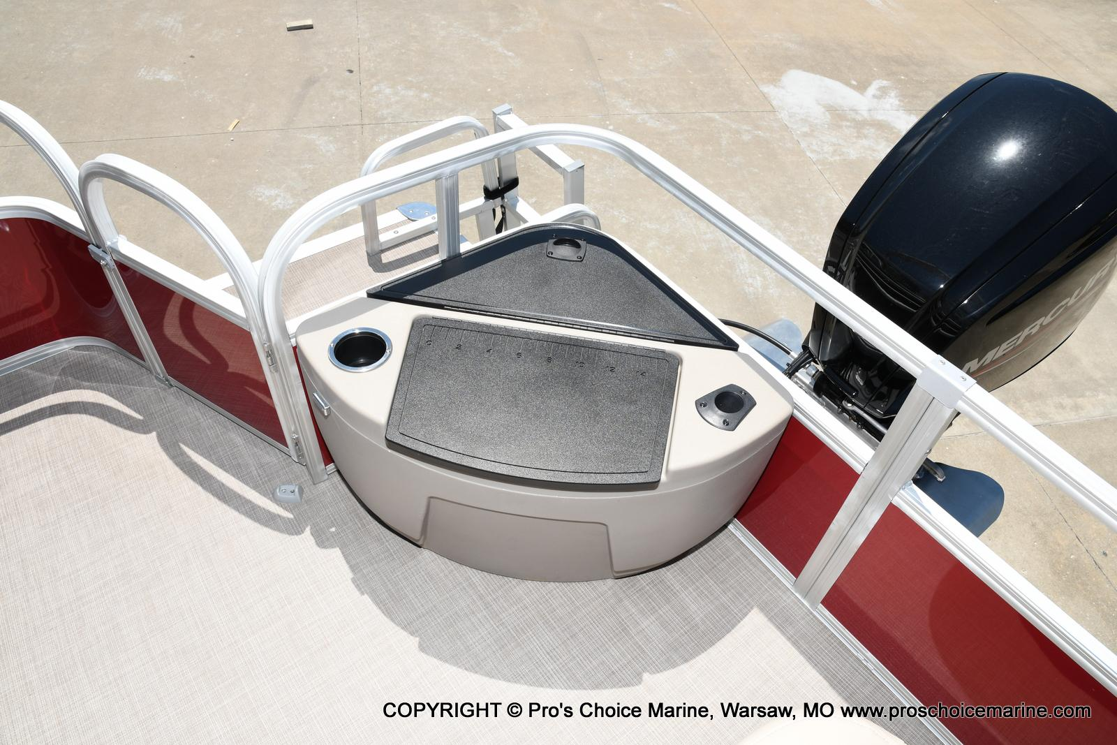 2021 Sun Tracker boat for sale, model of the boat is Fishin' Barge 20 DLX & Image # 43 of 50