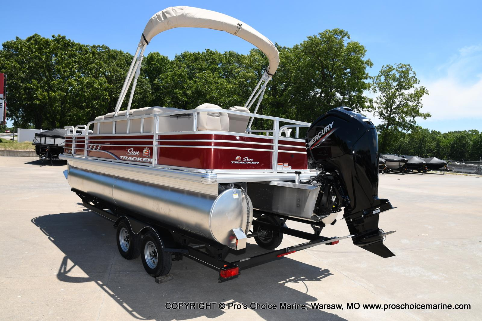 2021 Sun Tracker boat for sale, model of the boat is Fishin' Barge 20 DLX & Image # 46 of 50