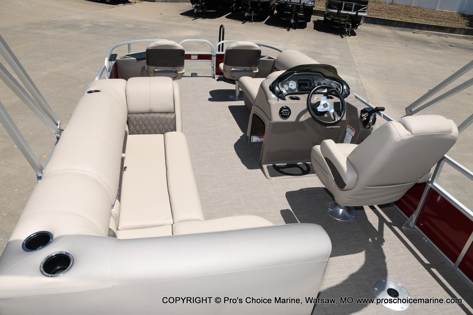 2021 Sun Tracker boat for sale, model of the boat is Fishin' Barge 20 DLX & Image # 7 of 50