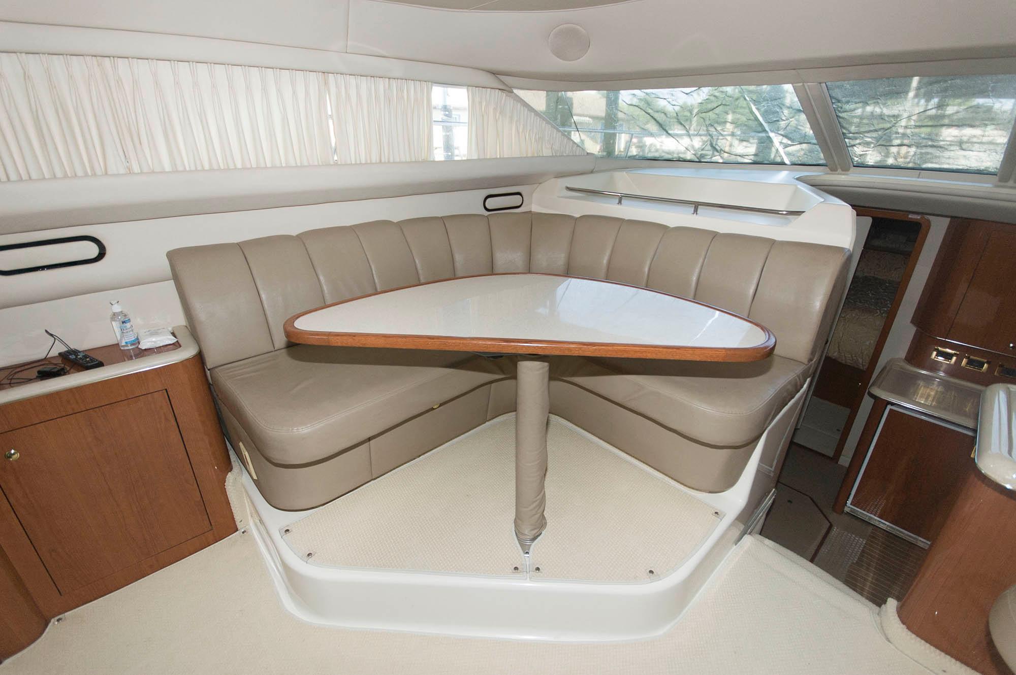 M 5591 TW Knot 10 Yacht Sales
