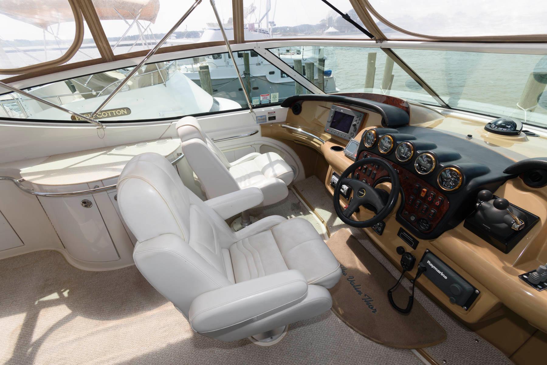 M 6040 KB Knot 10 Yacht Sales