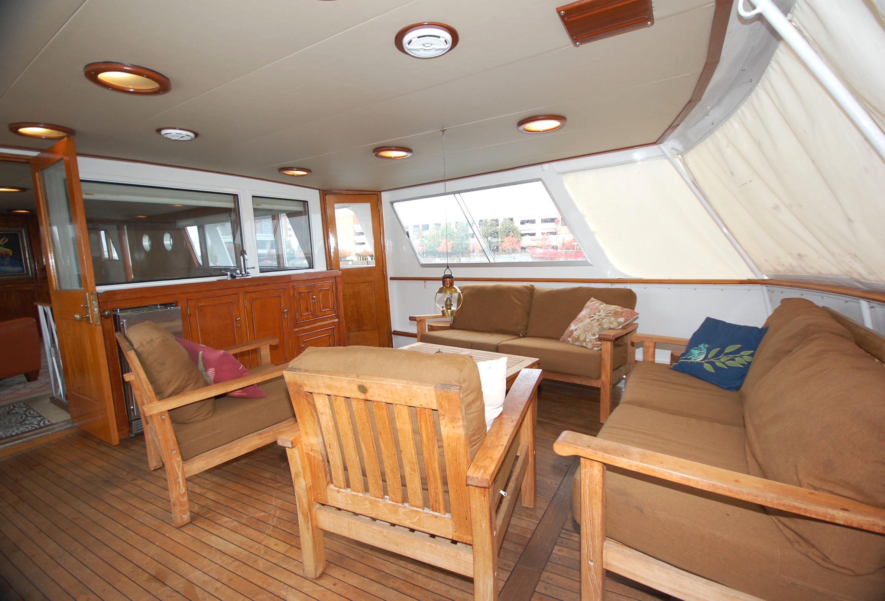 O 5762 HG Knot 10 Yacht Sales