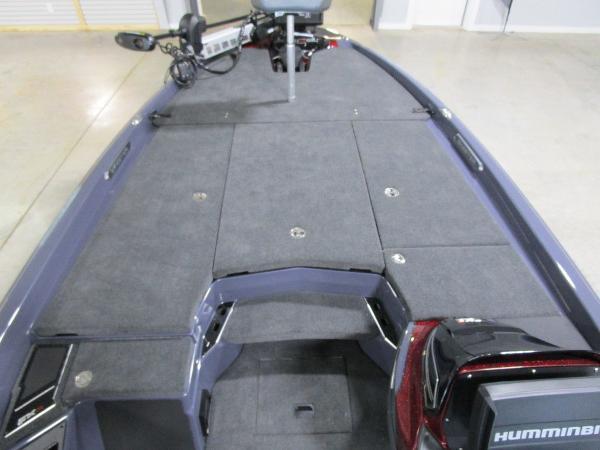 2021 Skeeter boat for sale, model of the boat is FXR21 Limited & Image # 4 of 50