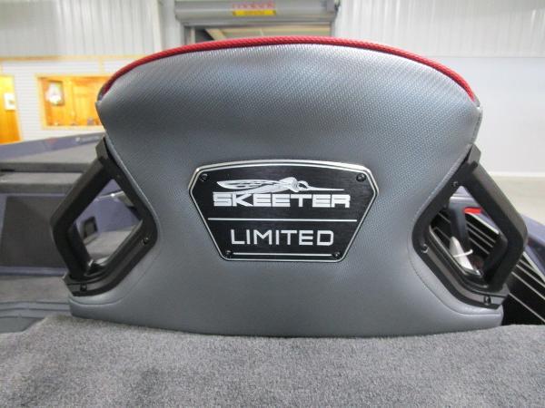 2021 Skeeter boat for sale, model of the boat is FXR21 Limited & Image # 5 of 50