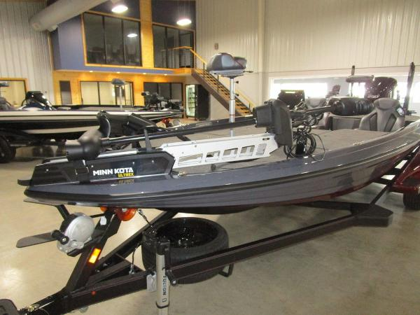 2021 Skeeter boat for sale, model of the boat is FXR21 Limited & Image # 40 of 50