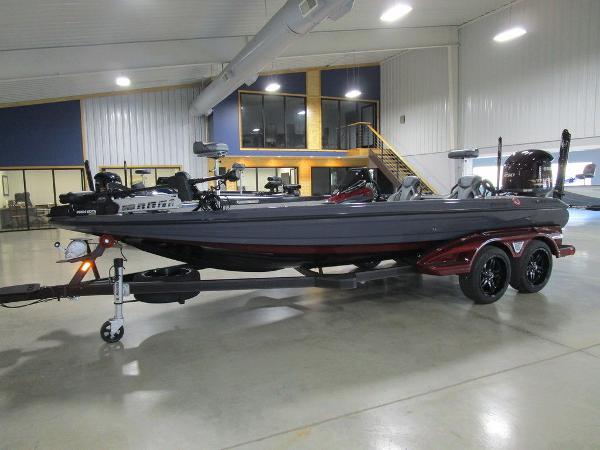 2021 Skeeter boat for sale, model of the boat is FXR21 Limited & Image # 41 of 50