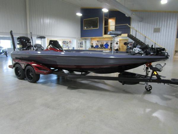 2021 Skeeter boat for sale, model of the boat is FXR21 Limited & Image # 45 of 50