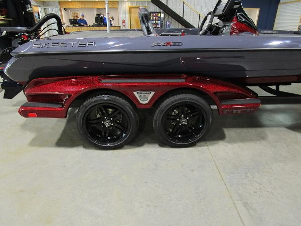 2021 Skeeter boat for sale, model of the boat is FXR21 Limited & Image # 46 of 50