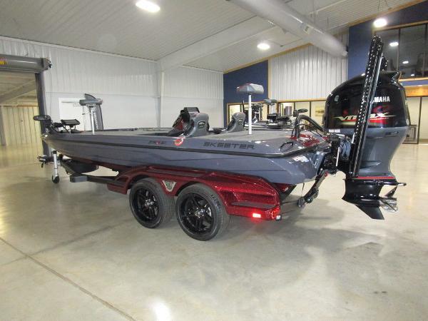 2021 Skeeter boat for sale, model of the boat is FXR21 Limited & Image # 47 of 50