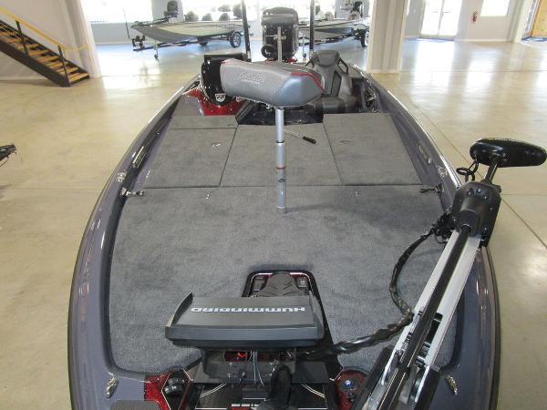2021 Skeeter boat for sale, model of the boat is FXR21 Limited & Image # 48 of 50