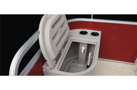 2021 Bennington boat for sale, model of the boat is 20 SVF & Image # 11 of 24