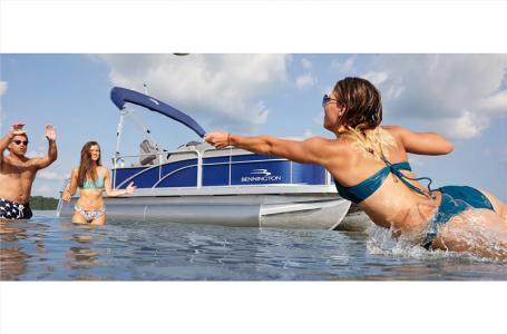 2021 Bennington boat for sale, model of the boat is 20 SVF & Image # 3 of 24