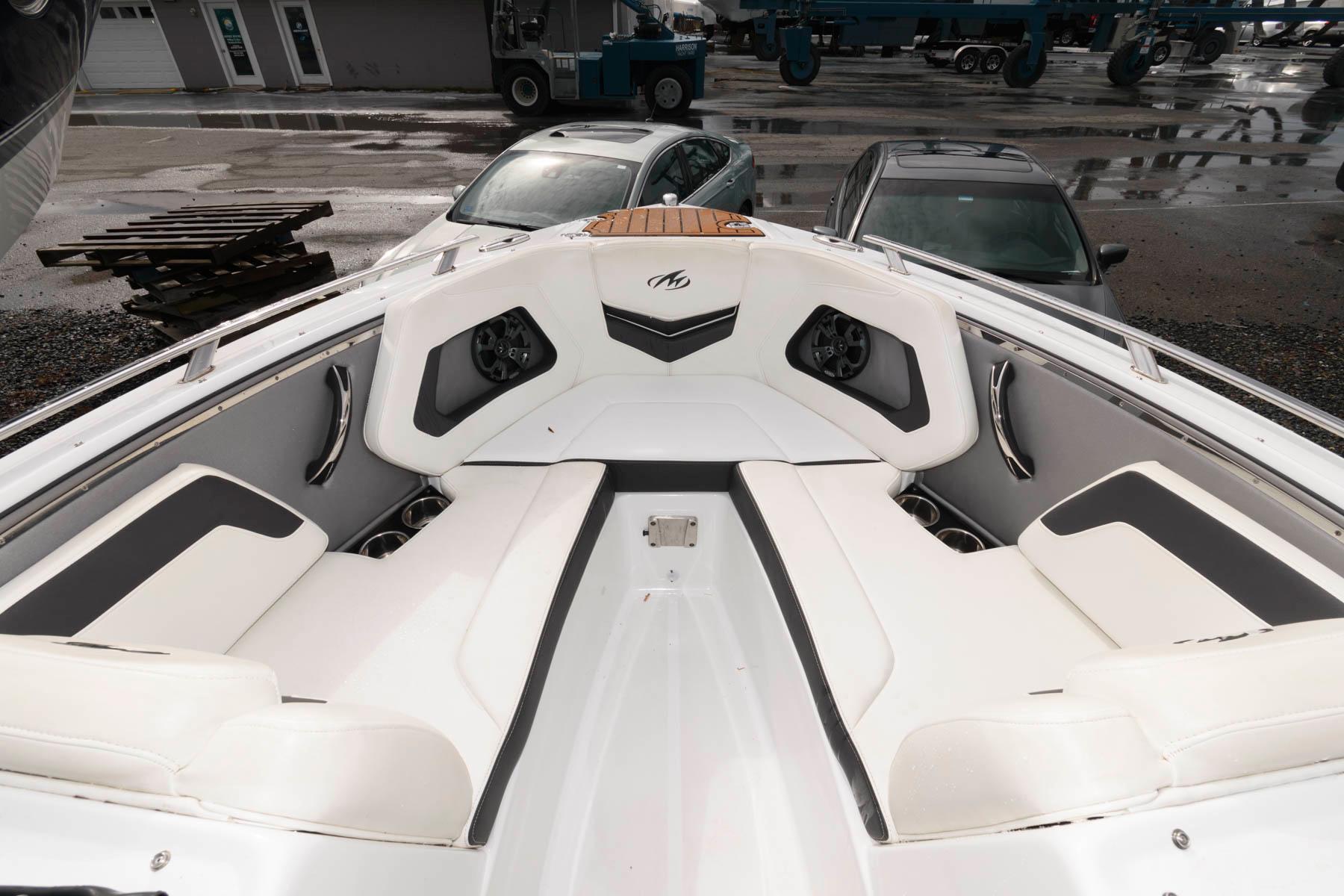 M 5971 JP Knot 10 Yacht Sales