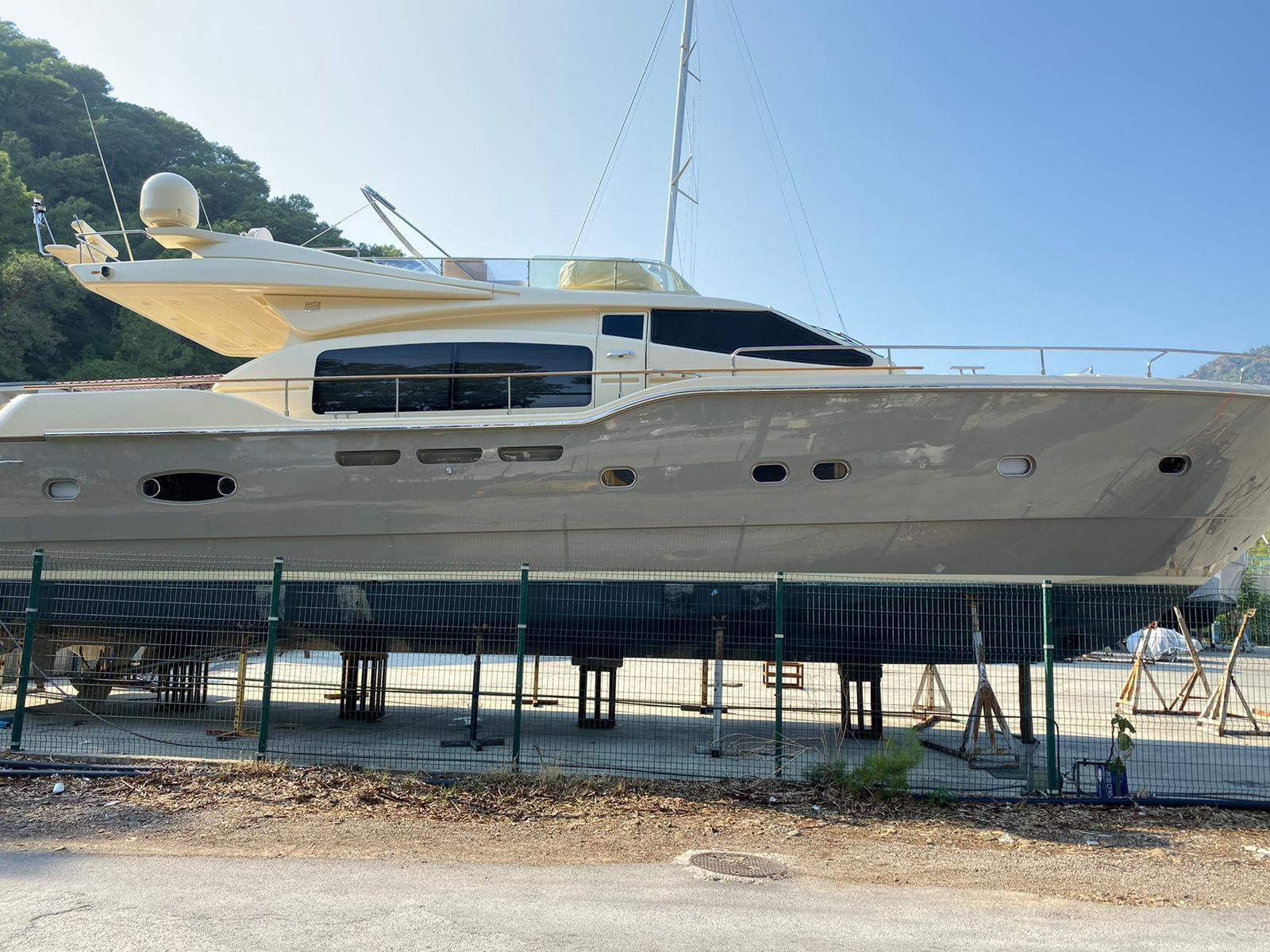 Ferretti Yachts 690 Altura