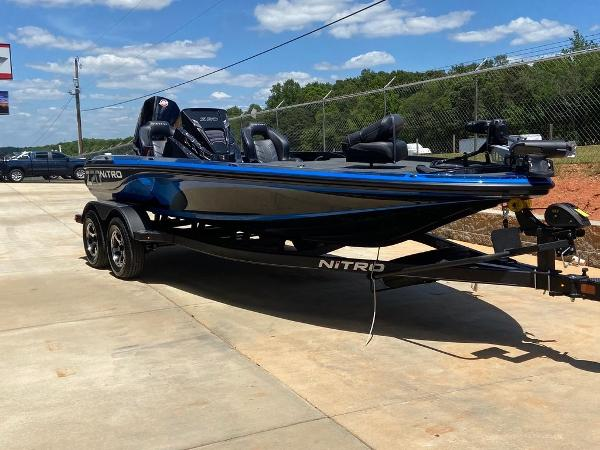 2021 Nitro boat for sale, model of the boat is Z20 Pro & Image # 1 of 6