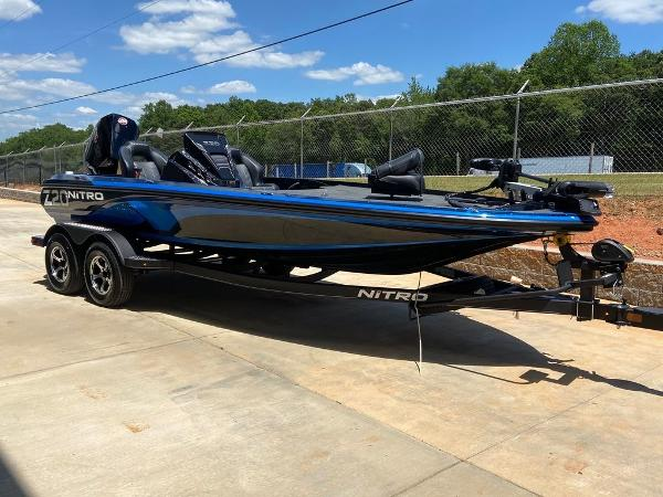 2021 Nitro boat for sale, model of the boat is Z20 Pro & Image # 3 of 6