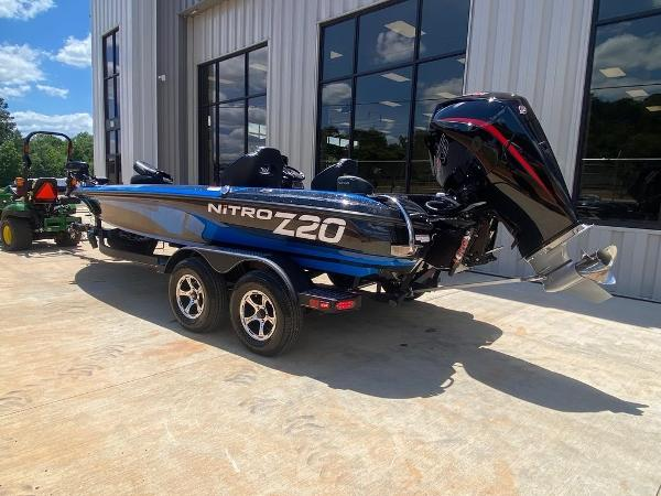 2021 Nitro boat for sale, model of the boat is Z20 Pro & Image # 4 of 6