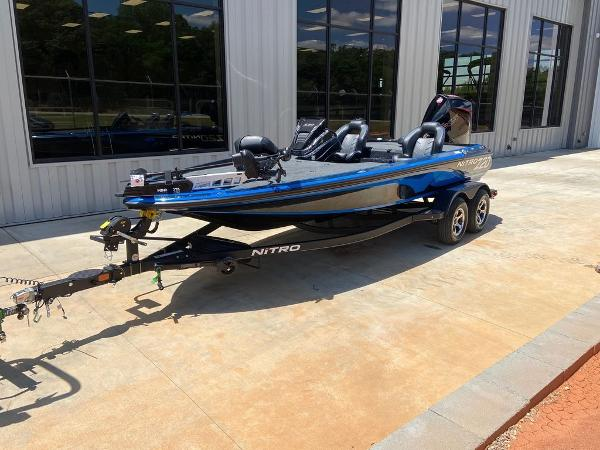 2021 Nitro boat for sale, model of the boat is Z20 Pro & Image # 5 of 6