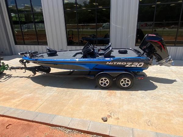 2021 Nitro boat for sale, model of the boat is Z20 Pro & Image # 6 of 6