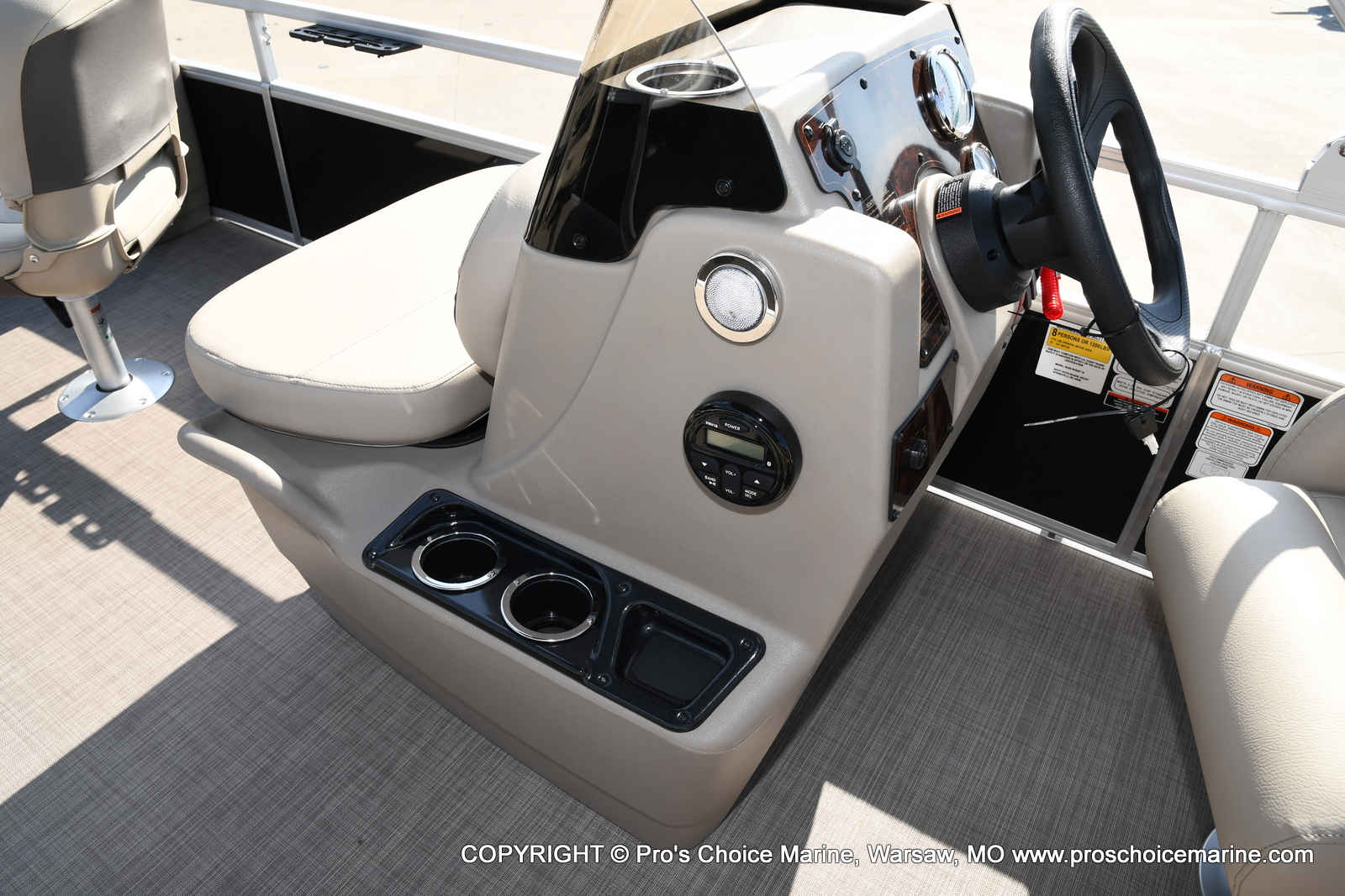 2021 Sun Tracker boat for sale, model of the boat is Bass Buggy 18 DLX & Image # 10 of 46