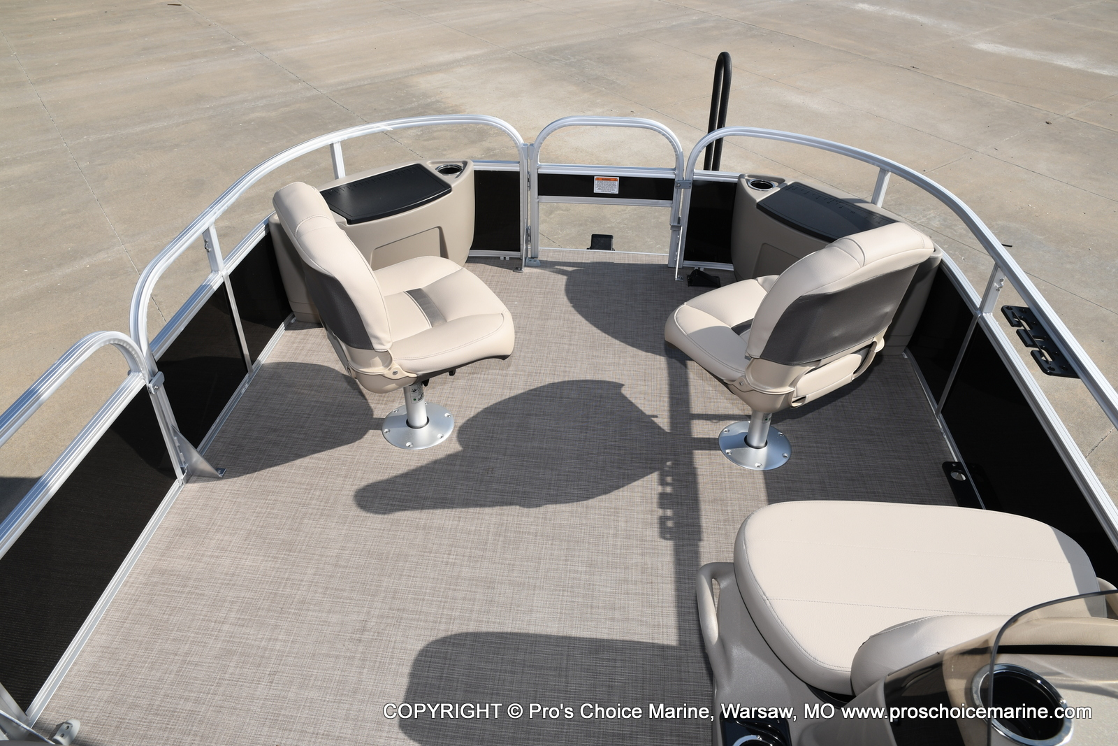 2021 Sun Tracker boat for sale, model of the boat is Bass Buggy 18 DLX & Image # 33 of 46