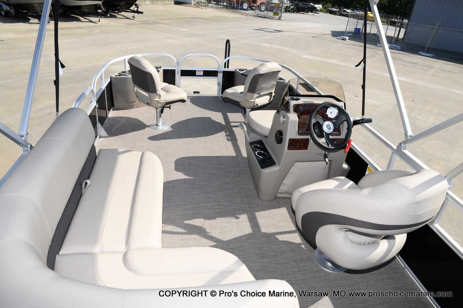 2021 Sun Tracker boat for sale, model of the boat is Bass Buggy 18 DLX & Image # 45 of 46