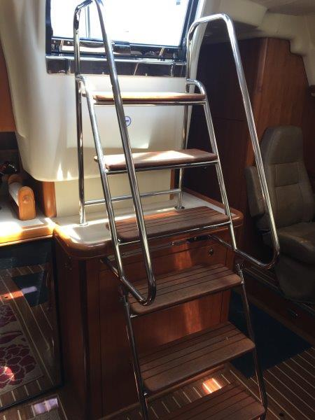 Safe companionway stairs