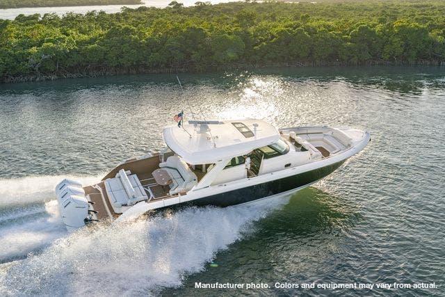 2022 Tiara Yachts 48LS